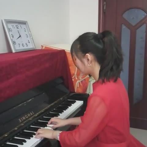 我是2016超级女生姜宇琦   一首<B>童年</B>的回忆献给大家  祝大家天天<B>开心</B>   互粉哦